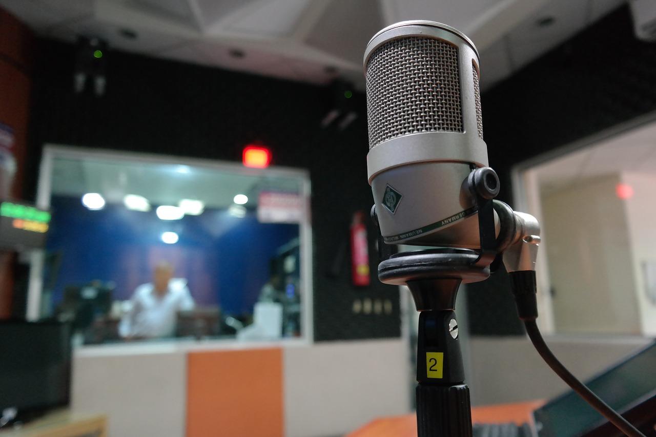microphone, i am a student, radio